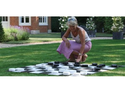 Garden Draughts Pieces -10cm